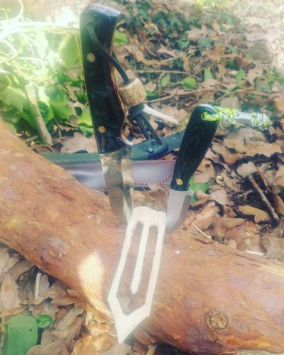 nzo Necker and a 'Stalker' Knife